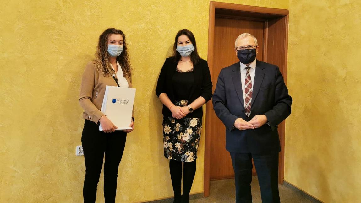 Studentka z Iskrzyni z wyróżniającymi osiągnięciami na Karpackiej Państwowej Uczelni w Krośnie nagrodzona przez Wójta Gminy
