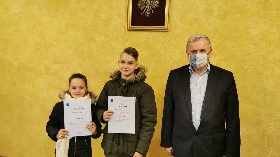 Sportowcy po raz kolejny otrzymali nagrody i stypendia Wójta Gminy Korczyna