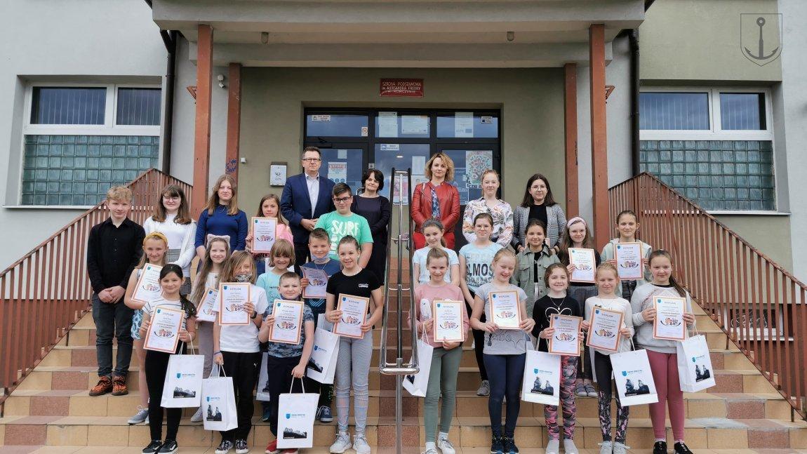 Laureaci konkursu z SP w Korczynie